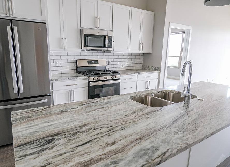 kitchen-fancy-brown-granite